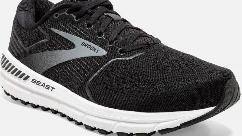 Sepatu Lari Paling Tepat Untuk Para Orthotics Saat Ini II